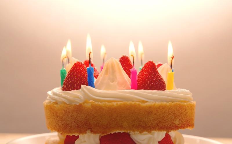 遠距離で誕生日に何もない時の対処法、誕生日であることを伝える